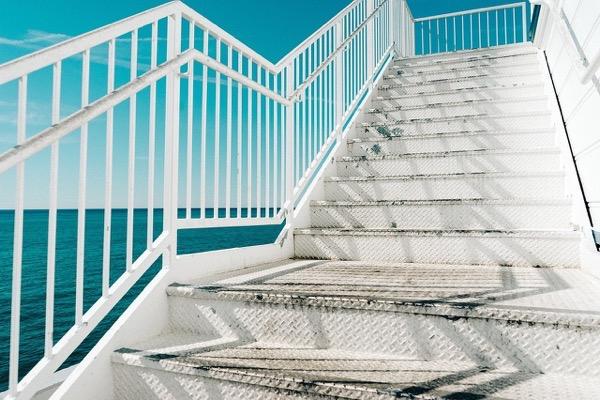 階段の上り方2