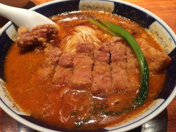 『はしご』こりゃ参った!マジで旨い!ここの担々麺は今までの担々麺とは一味も二味も違う!辛さもマイルドですよ!
