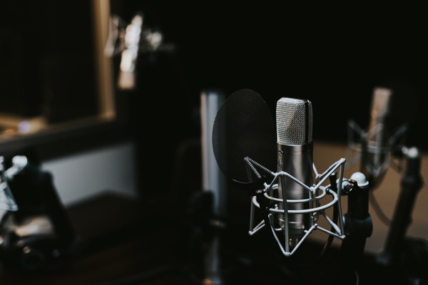 【2017年版】ポッドキャスト初心者がオススメするPodcast番組3選!!